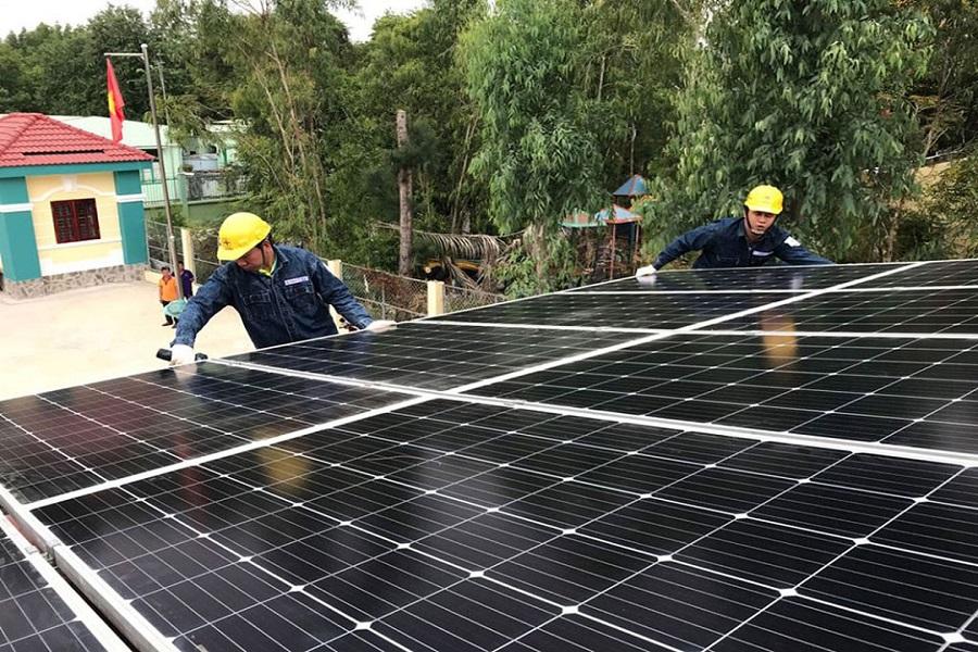 Lắp đặt hệ thống điện mặt trời tại HCM và những điều cần biết