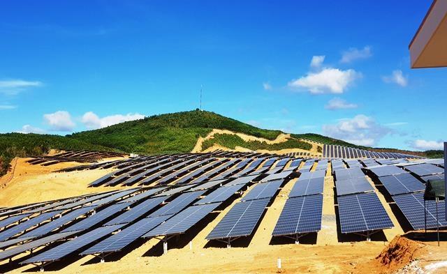 Phát triển mạnh mẽ dịch vụ lắp điện mặt trời tại Phú Yên